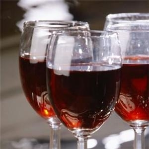 Study: Red wine reduces risk of stroke
