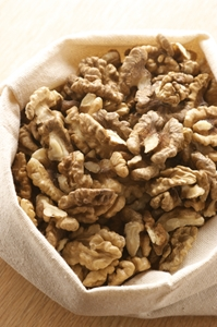 Researchers confirm heart-health benefits of walnuts