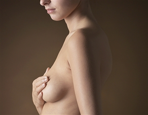 Study: Hormone therapy increases breast cancer risk