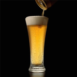 Americans consume excessive calories from alcohol